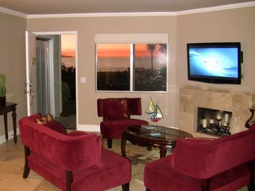 Dana Point condo rental - Watch 46 inch flat screen HDTV or enjoy the turquoise blue ocean view!