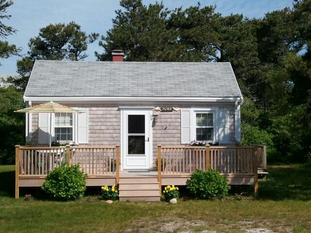 iconic classic 2 bedroom 1 bath cottage homeaway nantucket town - Small Cottage 2