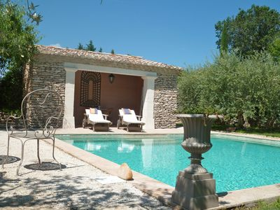 Tour des Beaumes in Gordes : Pool House and the private swimming Pool