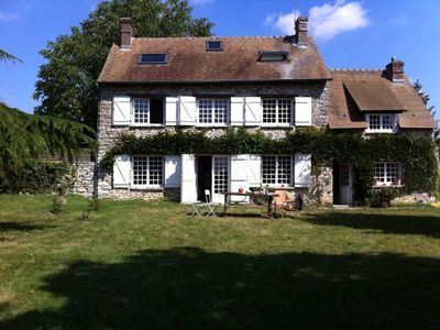 Beautiful freestone house with garden in a peaceful area