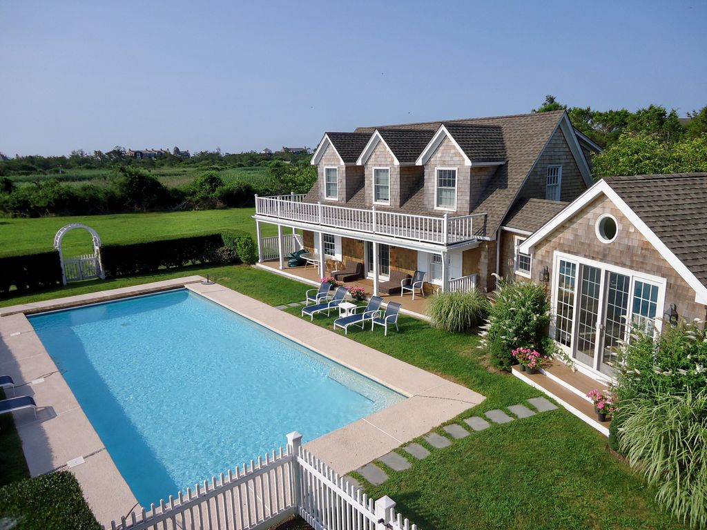 Large family vacation home on georgica pond vrbo for East hampton vacation rentals