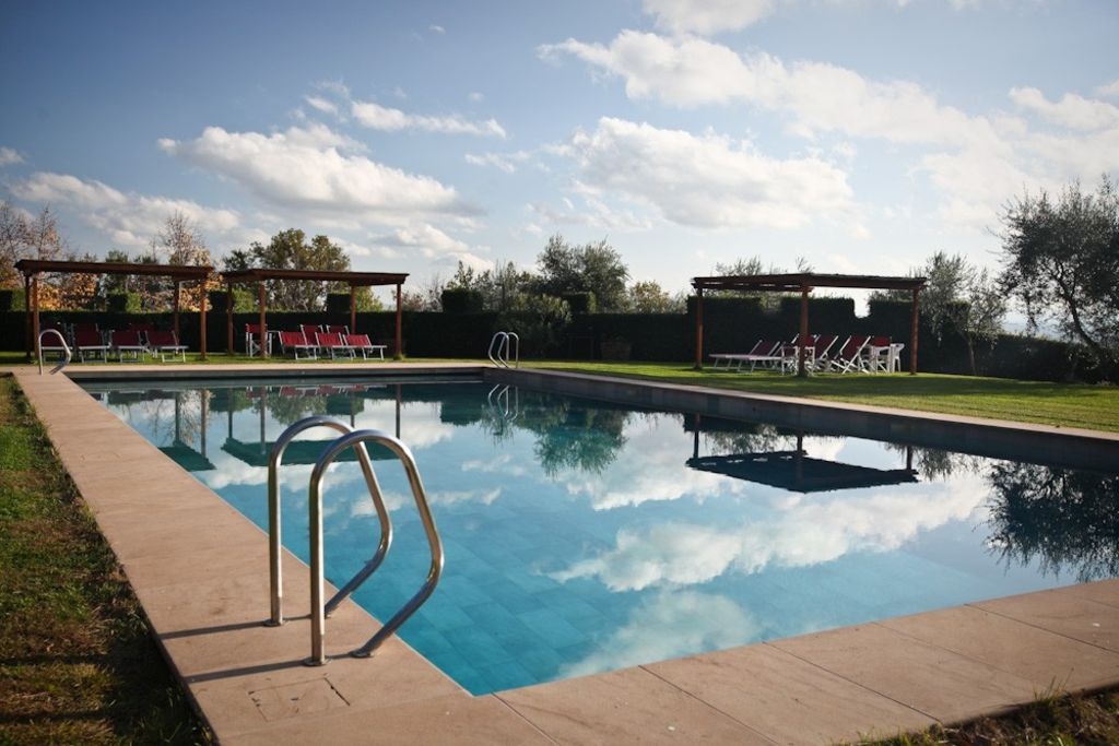 Holiday homes in tuscany large swimming homeaway - Large holiday homes with swimming pool ...