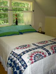 Camden cottage photo - Master bedroom with Queen bed upstairs.