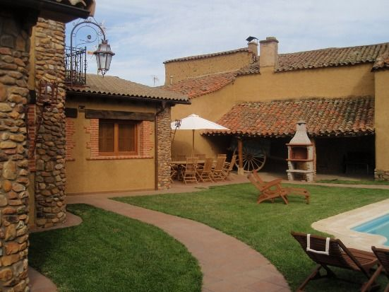Casa Rural Campo de Yeltes for 9 people