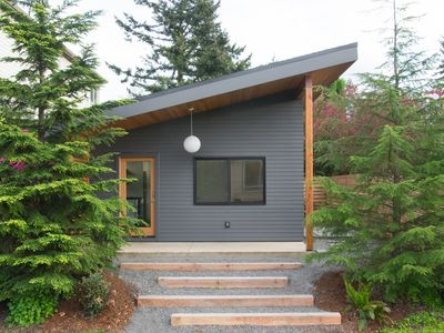 Sun-filled, new house within walkable distance of shops, restaurants, and bars