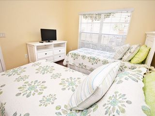 Highgate Park villa photo - The Bright and Aptly Named Twin Room...Ensuite bathroom and H.D T.V