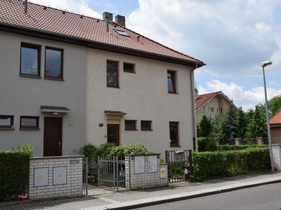 Family house with garden in quiet and green locality close to Prague center