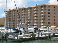 MARCH SALE! Fab Harborview Grande: $2400/wk-Dates: 4 to 11 & 18 to 25-Fl 7 of 8!