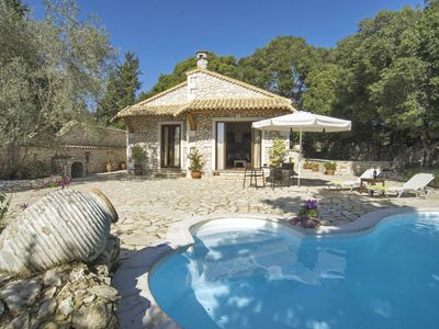 Villa Nionios - Villa With WIFI, A/C, Close To Beach, BBQ & Private Pool.