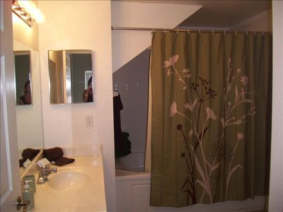 Venetian Bay townhome rental - Master bathroom located on the 1st floor
