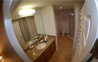 Tampa townhome photo - Master bathroom , Tub & walk in shower, Vanities