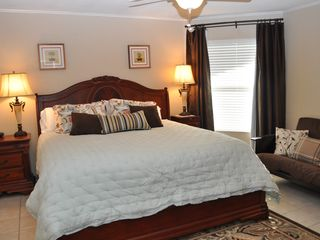 New Braunfels condo photo - King size bed with futon.