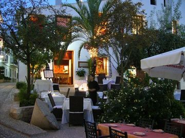 Cosmopolitan restaurants in Altea Old Town
