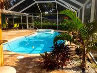 Tiki Bar, Heated Pool/ Spa, ON the Pinellas Trail!