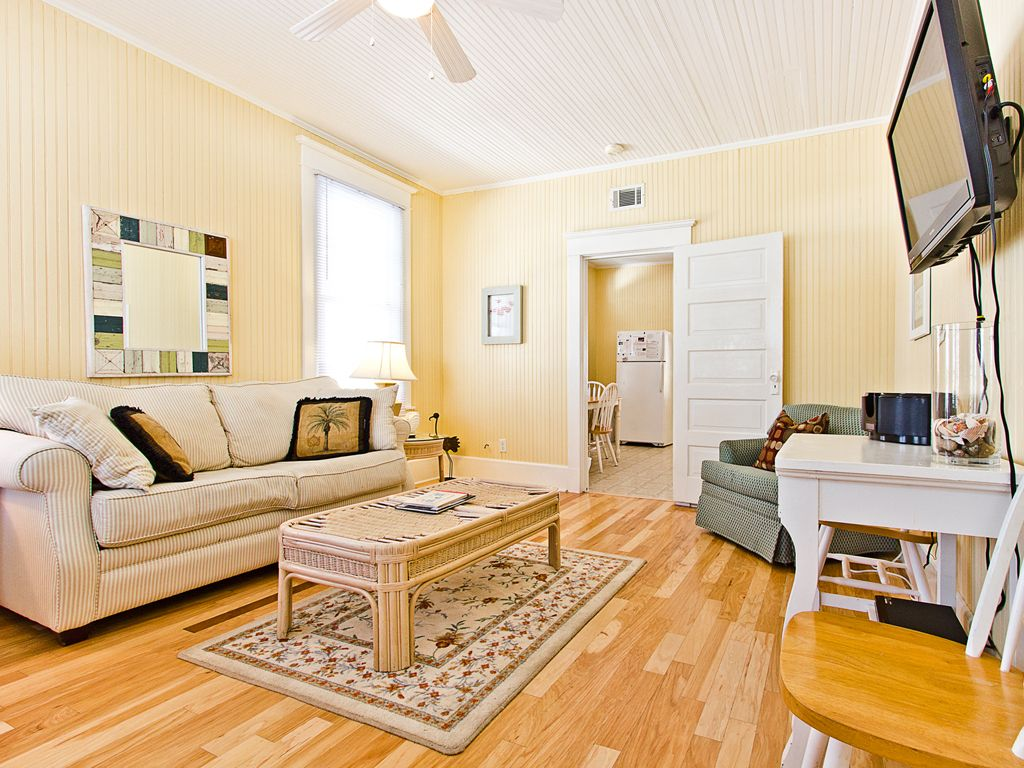 historic tybee 1 bedroom pet friendly vrbo
