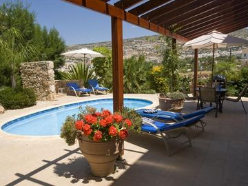 Pegia (Peyia) apartment rental - Private Garden and Pool