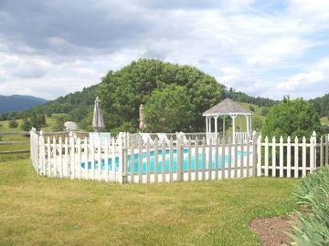 The private High Fields Farm pool with stunning mountain views!