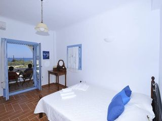 Monolithos house photo - Queen Bed