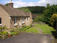 PIPPIN COTTAGE, family friendly, with a garden in Eyam, Ref 12546