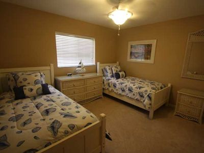 Cape Coral house rental - Twin bedroom.