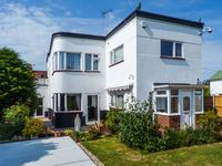 WHITEMANTLE, family friendly, with a garden in Herne Bay, Ref 912238