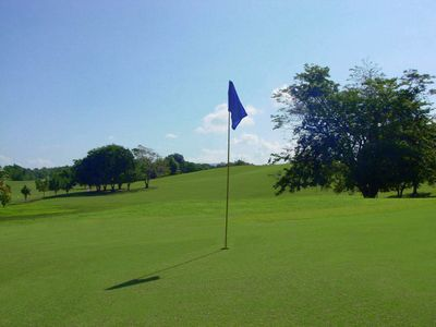 Front nine green at Club Deportivo 18-hole course