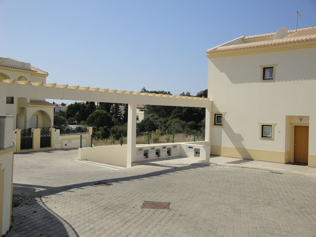 Accommodation near the beach, 140 square meters, , Correeira
