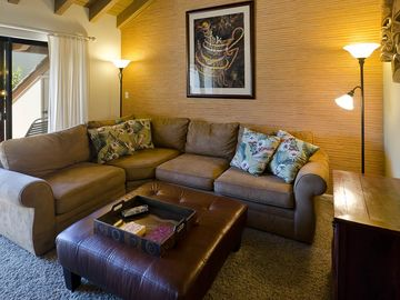 Kihei condo rental - Comfortable family seating. Great for relaxing!