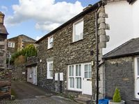 BEECH COTTAGE, romantic in Bowness and Windermere, Ref 4330