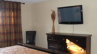 Avondale house photo - 42inch Master Plasma