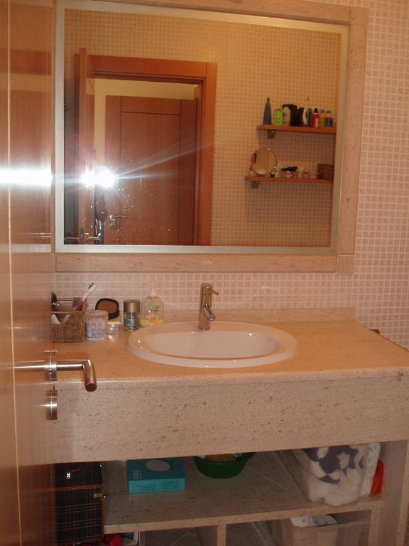 bathroom 3 bed apartment