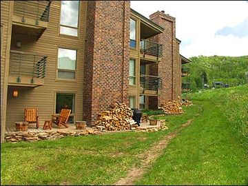 Slopeside Condo at Woodrun Place