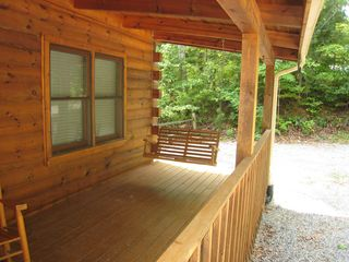 Gatlinburg cabin photo - Font porch swing