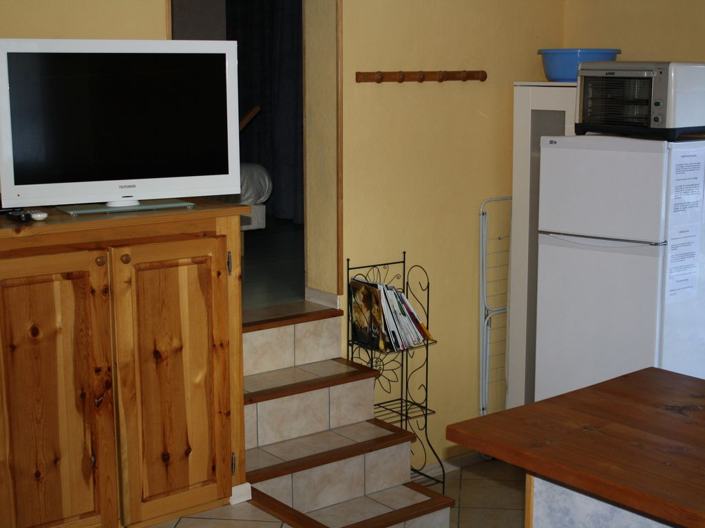 Holiday apartment, close to the beach, Les Vigneaux, Provence and Cote d