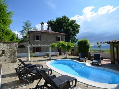 Beautiful villa With private swimming pool, garden and panoramic view 10+5