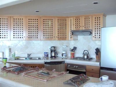 Marble and Stainless Make the Kitchen a Chef's Delight!