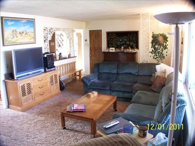 Livingroom 42 in TV, Sterio, Guitar, Piano, Sectional couch