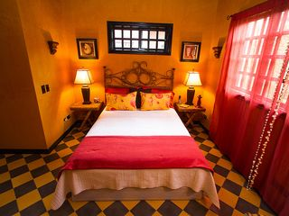Tamarindo house photo - Queen Bed in the Coral room