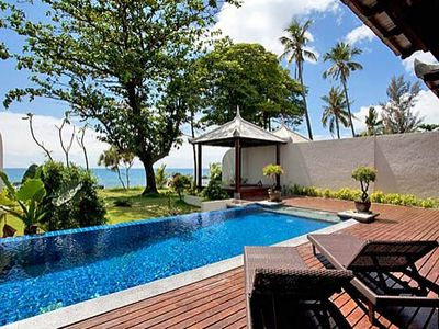 Luxury Private Villa Right On The Beach