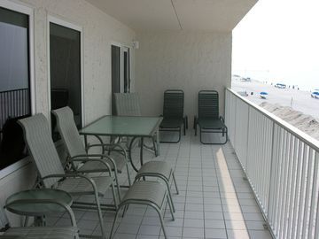 32 FT BEACHFRONT BALCONY