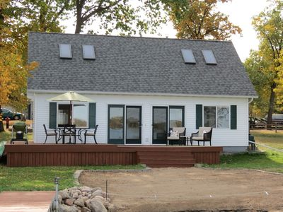 Lake House Is Close To Minneapolis, But Far From Your Normal Routine.