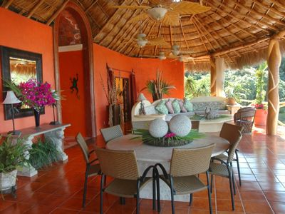 Cancion del Mar Dining Area