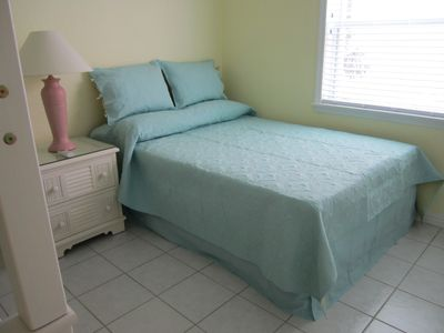 Grand Cayman condo rental - Full Bed in Second Bedroom