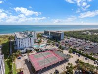 On The Beach - 2 Bedroom Side Ocean View - Newly Updated - Clean And Spacious