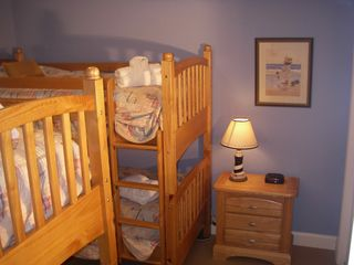 Isle of Palms condo photo - First floor bunkroom for the kids with an attached bath.