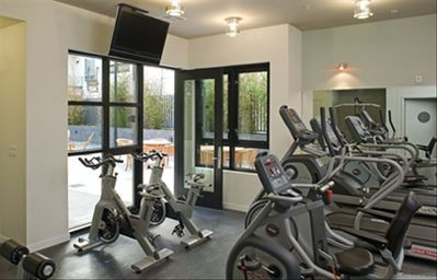 Gym with flatscreen TV