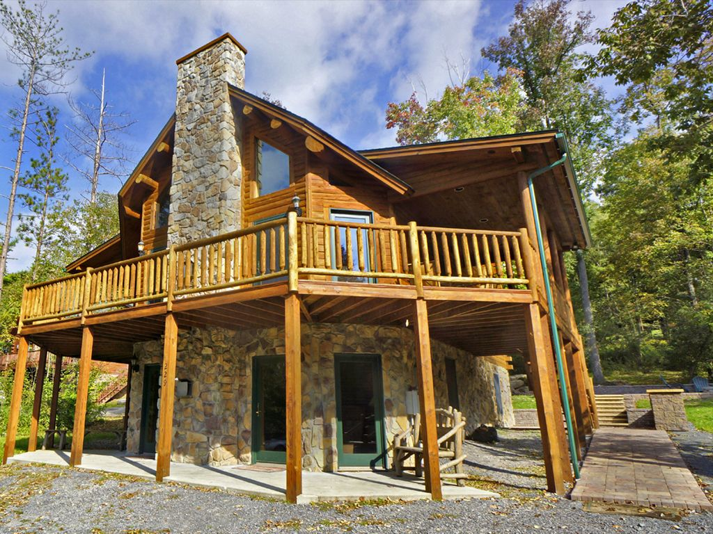Deep creek lake access log home with boat vrbo - Small log houses dream vacations wild ...