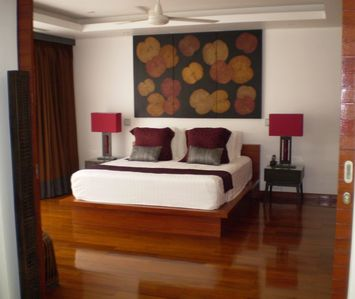 Bangtao beach villa rental - Tastefully decorated bedroom with King size bed