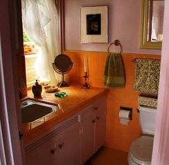 Carmel house photo - A Sunny Bathroom