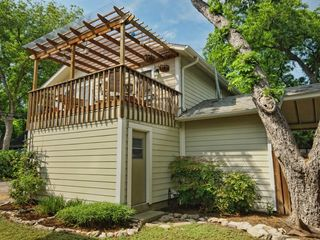 Austin apartment photo - Cozy Hyde Park Guest House in Historic Central Austin Neighborhood